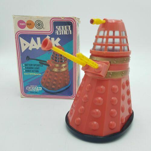 Vintage 1974 Marx Juguetes Bump & Go Dalek Doctor Who BBC TV rojo y amarillo-trabajo