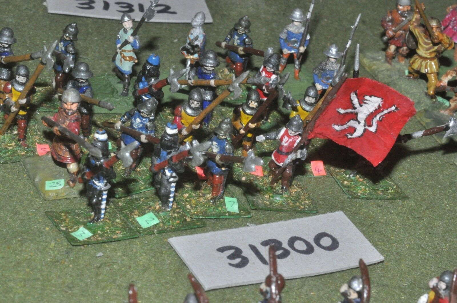 25mm medieval   english - polearms (small) 24 figures - inf (31300)