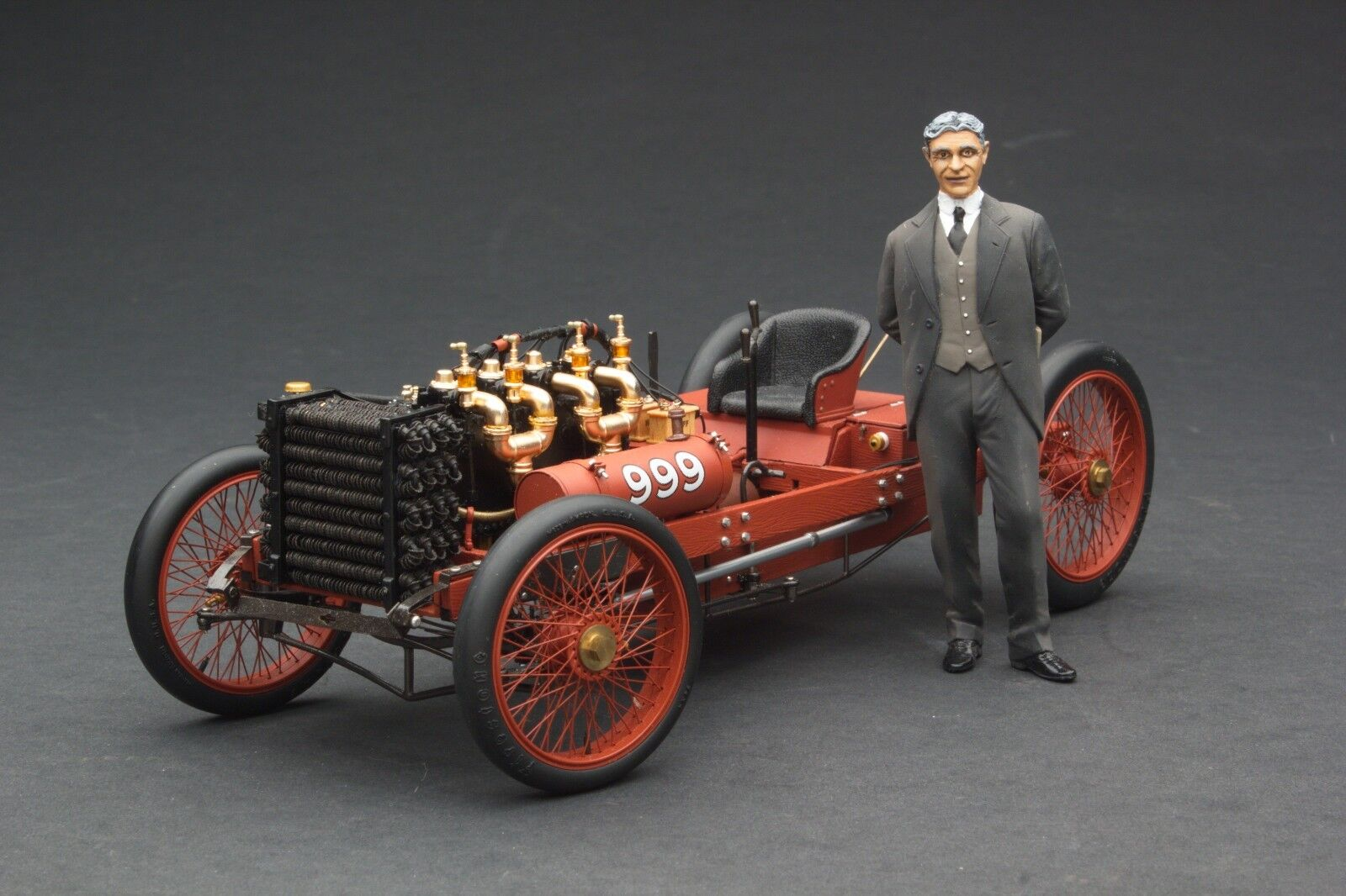 Exoto 1903 Ford 999   Henry Ford  Échelle 1 18    RLG88040F