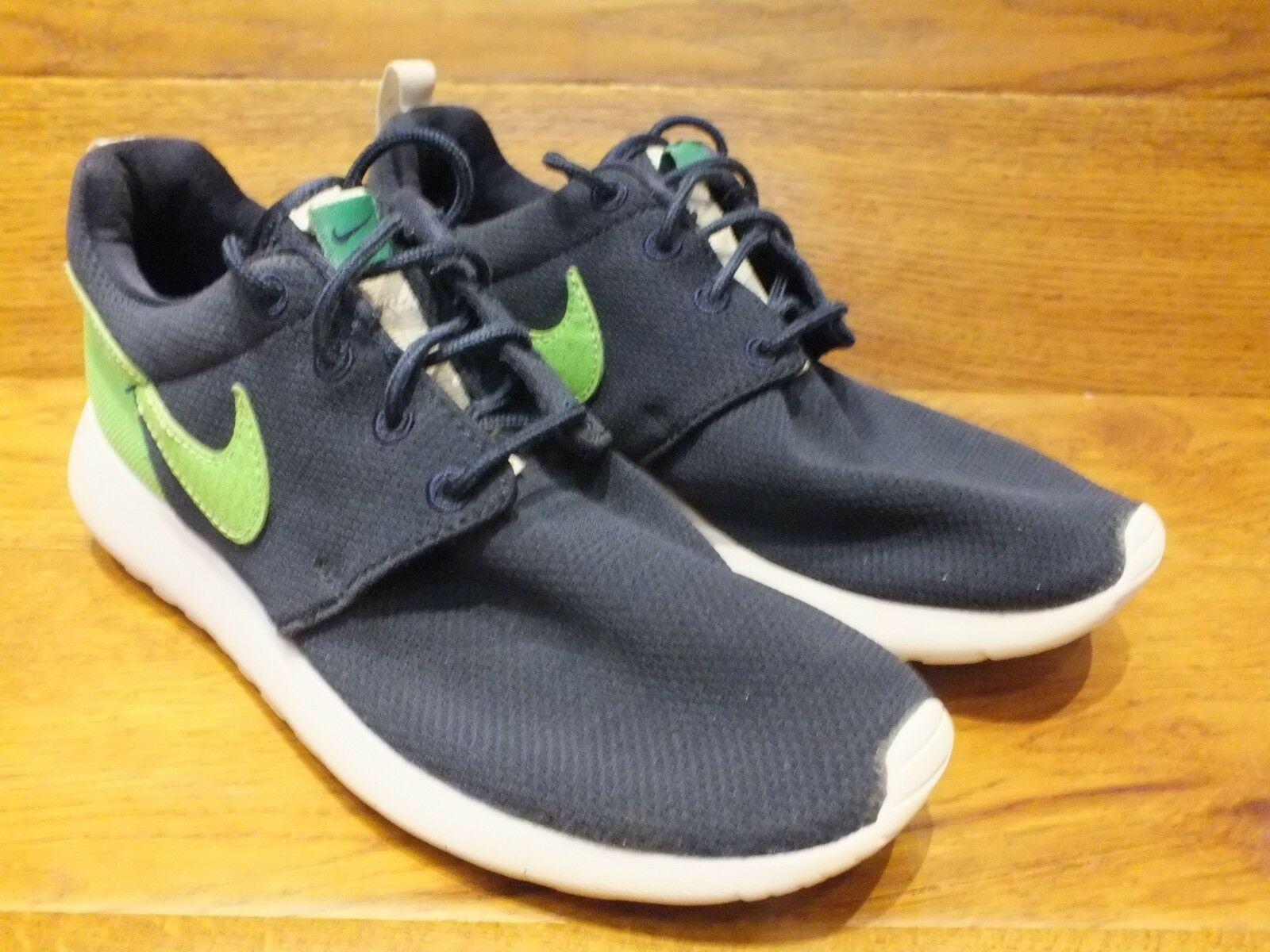 Nike Roshe One Navy / Green Running Shoes Casual Trainers  The most popular shoes for men and women
