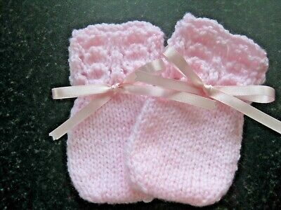 Baby Pink  Fits 0-3 Months New Hand Knitted Baby Girl/'s Mittens