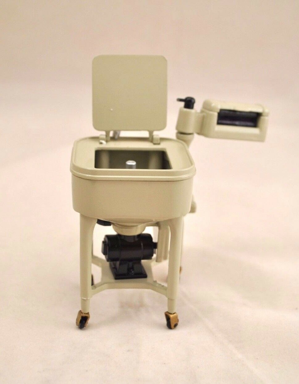 MAYTAG WRINGER WASHER 1930s - 1/12 scale metal  dollhouse miniature DDL7516