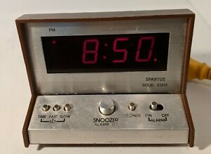 Spartus-Solid-State-Alarm-Clock-Model-21-3004-500-Vintage-Faux-Wood-Tested