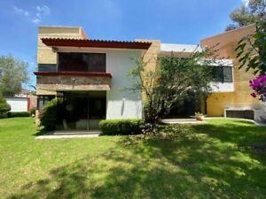 Casa de 4 recámaras en Venta en JARDINES DE ZAVALETA