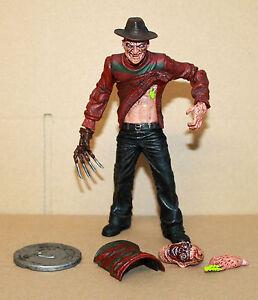 Cinema-Of-Fear-A-Nightmare-On-Elm-Street-2-Freddy-Krueger-Mezco-Action-Figure