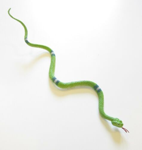 """96 NEW RAIN FOREST JUNGLE SNAKES FAKE TOY RUBBER PRETEND SNAKE WITH TONGUE 14/"""""""