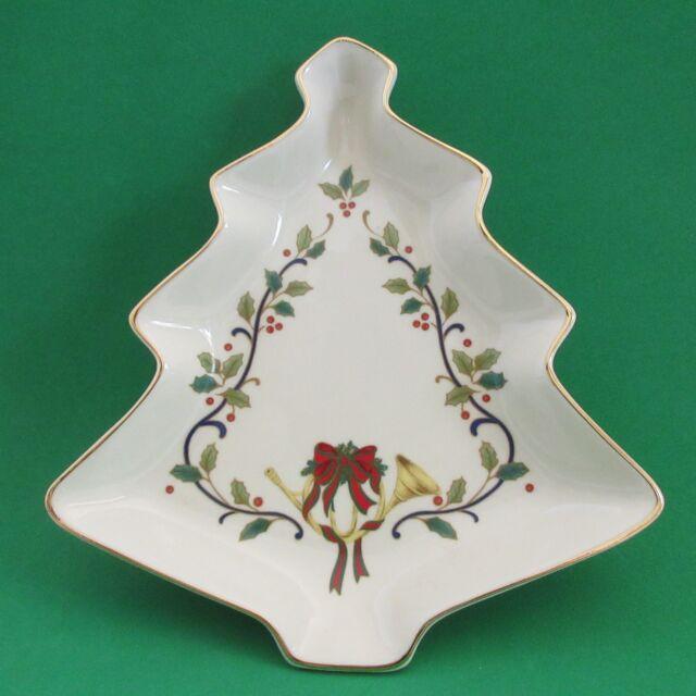 Porcelain Christmas Candy Dish Tree Holly Gold Mikasa FK001 Holiday Eleganc