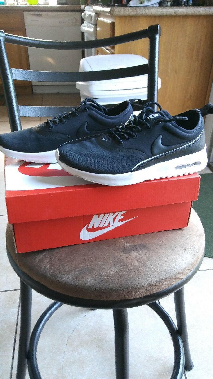 NIKE Air Max Thea Ultra Women's Size 6 Black   White 844926 001
