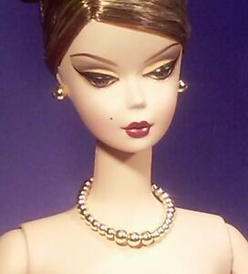 Barbie-Dreamz-SHINY-LIGHT-GOLD-Graduated-Pearl-Necklace-Set-Doll-Jewelry
