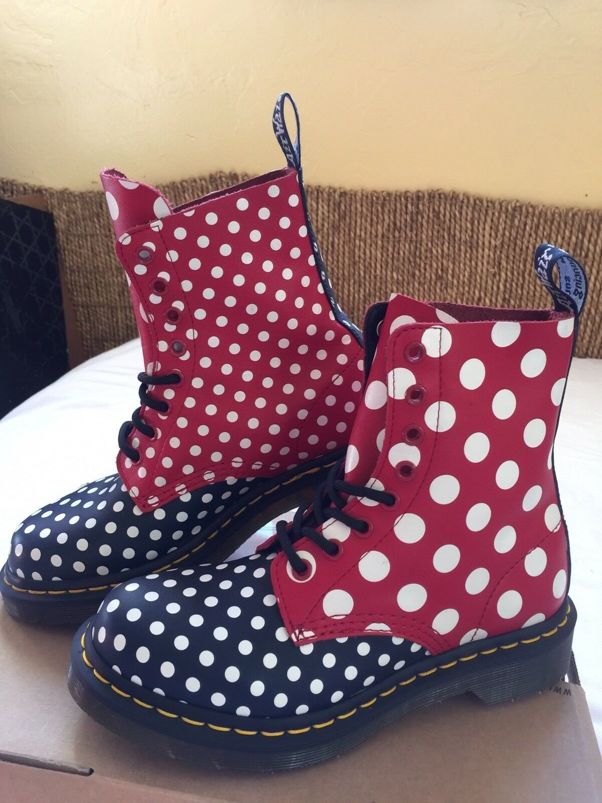 Dr. Martens CHAY 8 Eyelet  Leather Boots dots spots softly T shoes Size US 6