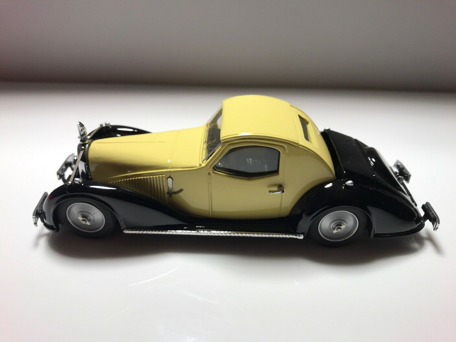 modellllerlerl för skalstorlek 1  43.1934 Voisin C -27 Aerosport Coupe