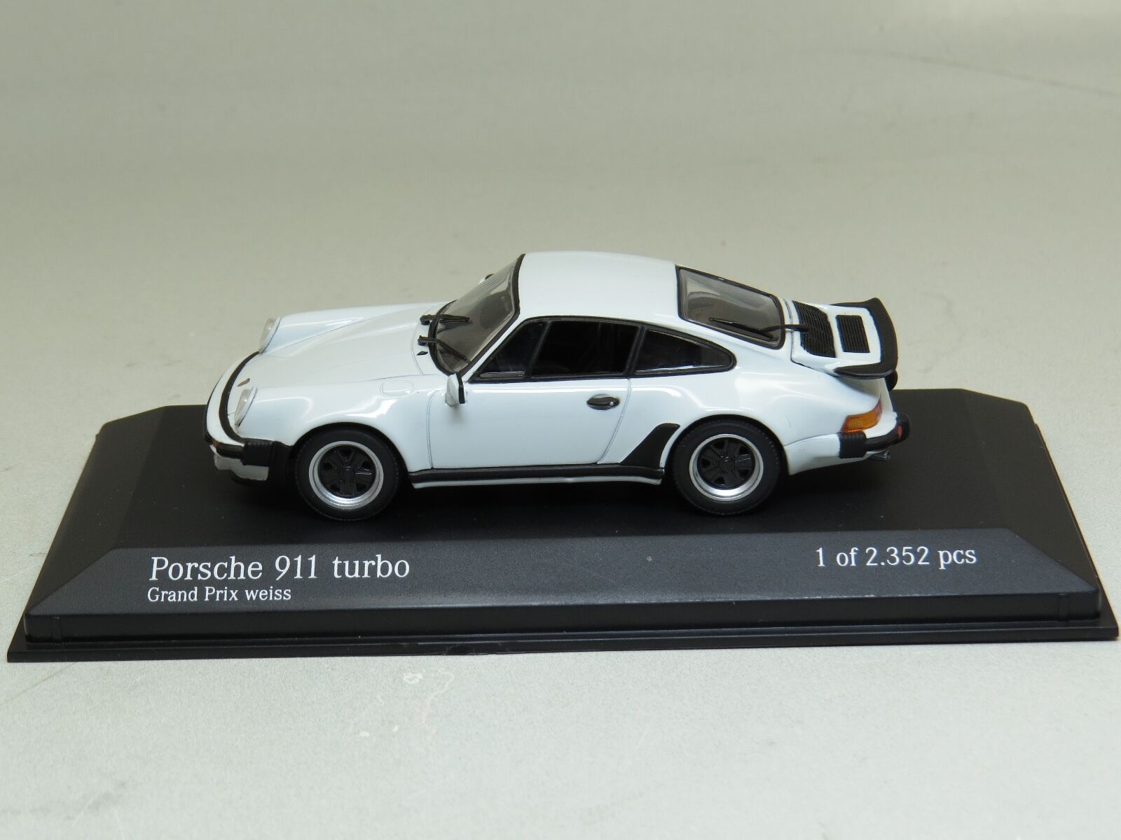 Porsche 911 Turbo Grand Prix Weiss (blanc) 1977 Minichamps 1 43