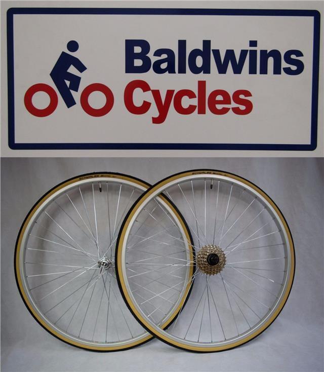 27  x 1 1 4 PAIR Q R Bike Wheels + Premium Amber Wall Tyre's & 5 Speed Freewheel
