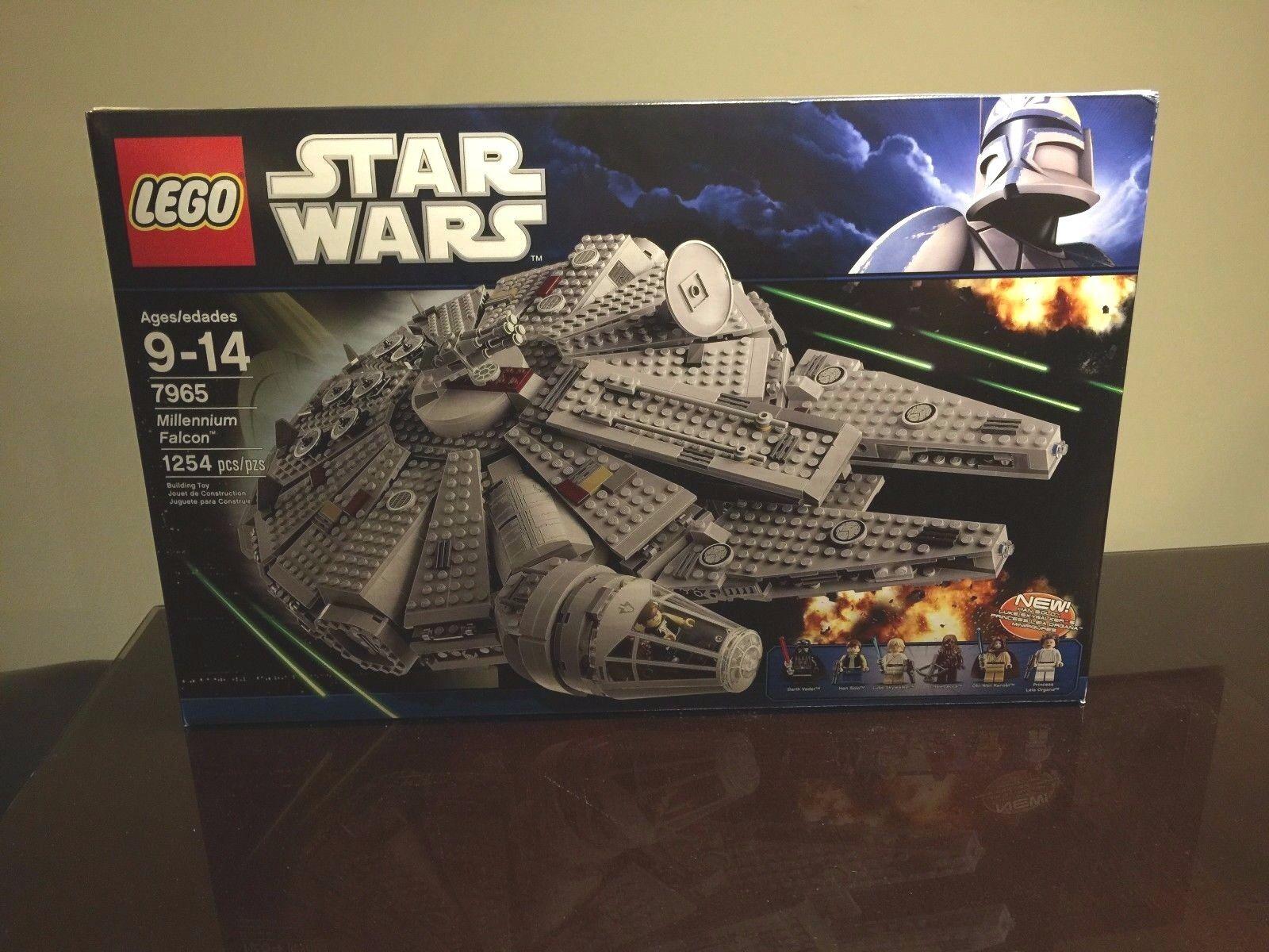 LEGO 7965 Millennium Falcon stjärnornas krig Set FacTORy SEALD and Retiröd