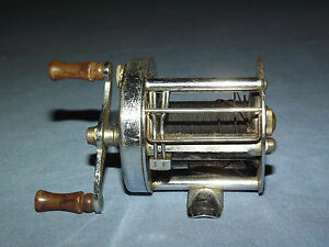 VINTAGE-FISHING-SOUTH-BEND-TACKLE-BAIT-CO-FISHING-REEL-MODEL-400-A
