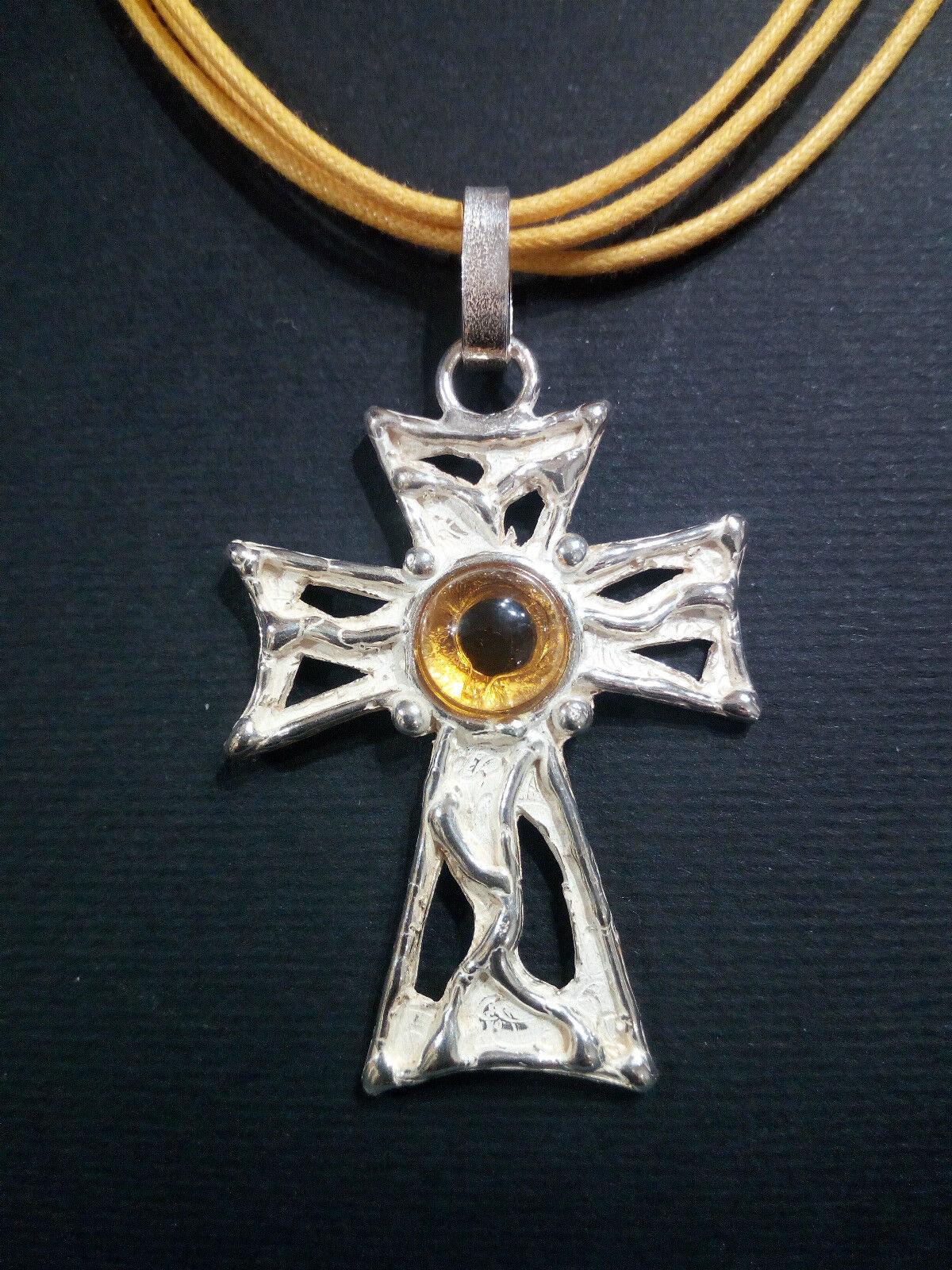 Ciondolo  croce  in silver 925 con quarzo citrino realizzato a mano (C16)