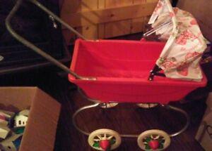 Rare-Strawberry-Shortcake-Stroller-VINTAGE