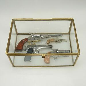Vitrine-Display-for-Berloque-Xythos-Maus-miniature-pinfire-gun-pistol-toy-case