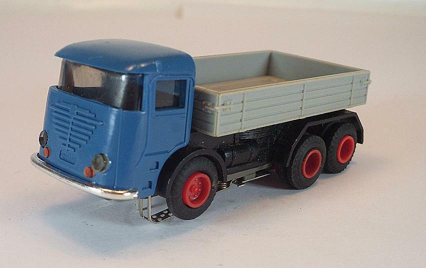 Slot Car Faller AMS Nr. 5671 LKW dreiachsig Büssing Führerhaus blau Nr.3  628