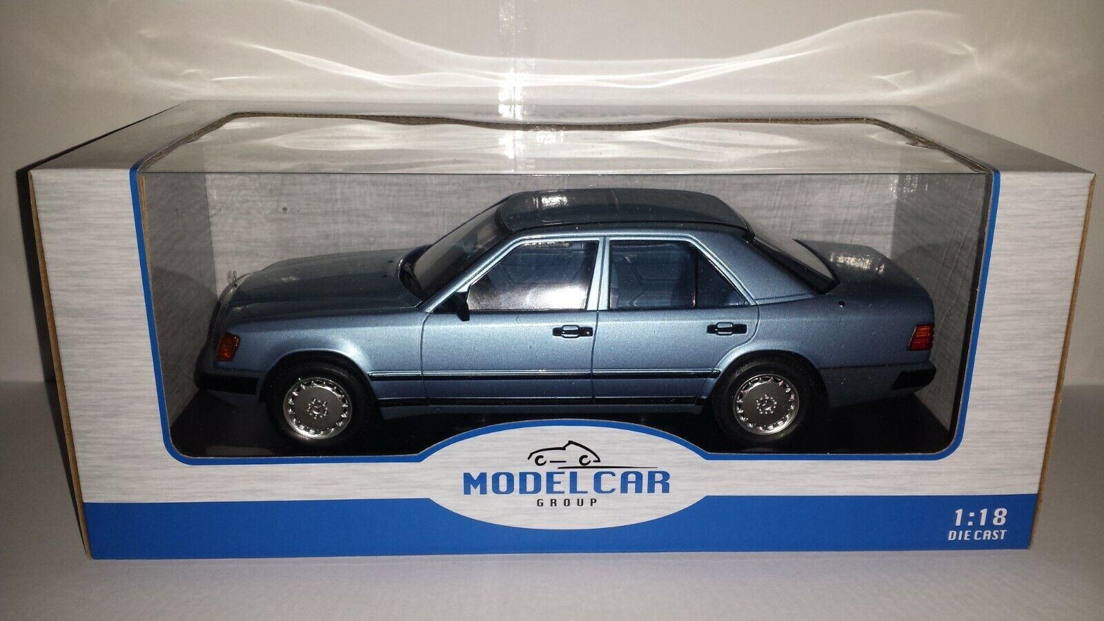 Model Car Group 1 18 Mercedes-Benz 300 E (W124) sedan 1984 bleuw nieuw in doos
