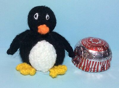 Christmas Penguin chocolate cover fit Tea Cake Marshmallow KNITTING PATTERN