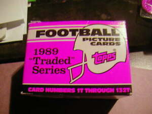 1989 Topps Football Traded Set with 132 Cards.. B. SANDERS .. T. AIKMAN .. DEION
