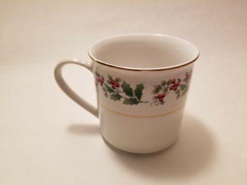 Mug Everyday Gibson Housewares Christmas Charm Holly Berry Coffee Cup