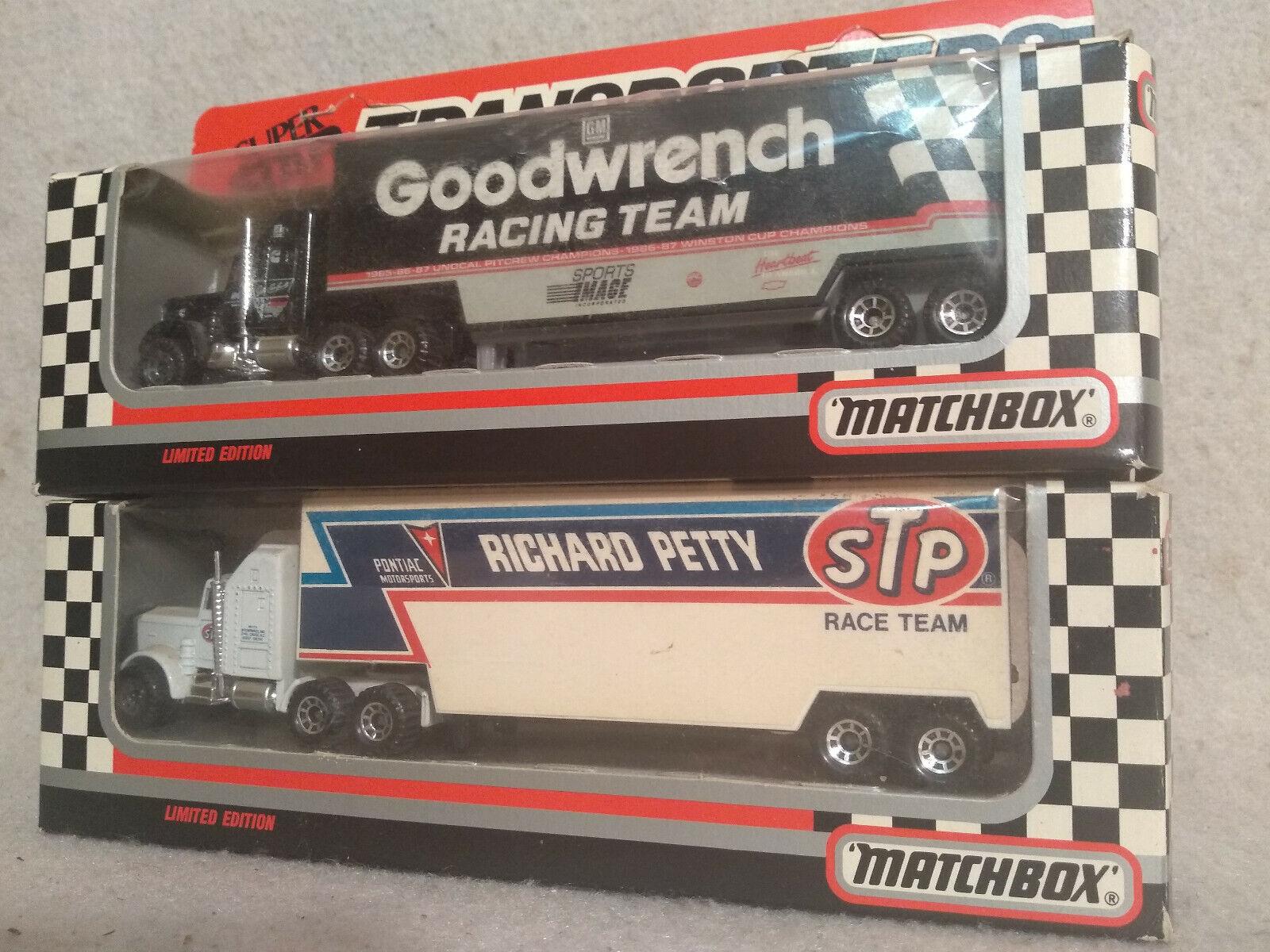 1989 1st edition  3 EARNHARDT &  43 Petty MATCHBOX Transporteur RARE