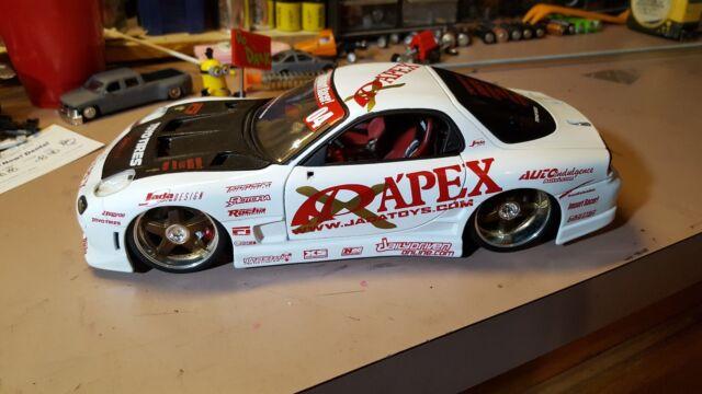 JADA Toys Mazda RX-7 APEX Drift Car Import Racer 1:18