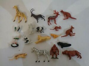 18X-animal-figurine-vintage-jouet-en-plastique-5-cm-de-haut-made-in-Singapour
