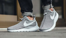 NIKE aptare se in esecuzione formatori Palestra Casual Slip On-UK 8.5 (eur 43) Wolf Grey