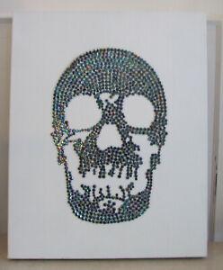 DernièRe Collection De Charmant Cristal Perles Skull Wall Hanging Par Drew Barton-afficher Le Titre D'origine Remise En Ligne