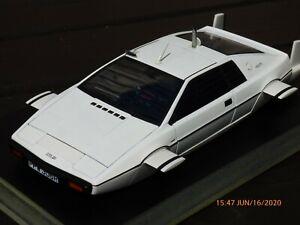 Autoart-75306-Lotus-Esprit-submarino-tipo-79-James-Bond-007-Raro-1-18-Coche-de-juguete