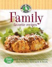 Gooseberry Patch Family Favorites Recipes: Over 200 tried & true recipes, memor