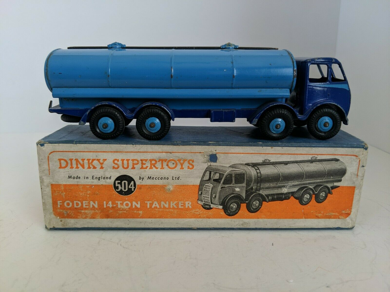 Dinky Toys 504 Foden Series 1, 14 Ton Tanker.  1948-54  Original with Box.