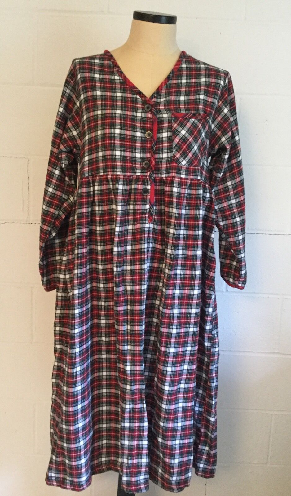 Charter Club Flannel Nightgown Medium Red Plaid Long Sleeve 100% Cotton