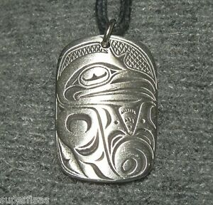 New-BEAUTIFUL-TRICKSTER-Native-Pewter-Haida-RAVEN-NECKLACE