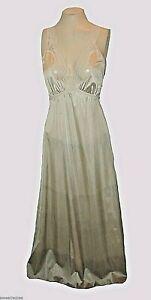 vintage-1970s-Night-Gown-Vanity-Fair-Gray-Shaded-Antron-III-Nylon-Long-32