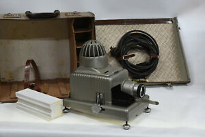 Braun-Paximat-Electric-35mm-Slide-Projector-With-Original-Case-Vintage-1950-039-s