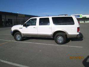 2004 Ford Excursion Beige