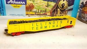 Athearn-Illinois-Terminal-50-039-gondola-car-HO-91435-with-scrap-load-rtr