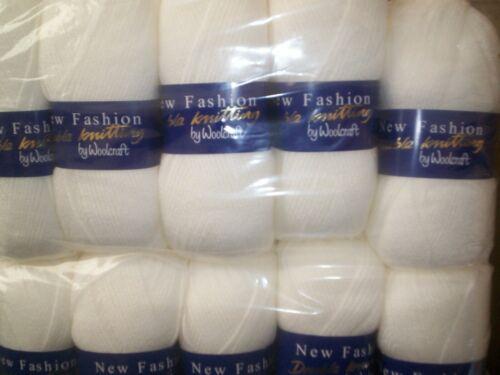 Blanc 5x100 Gram boules DK New Fashion Knitting Yarn par WOOLCRAFT 100/% acrylique