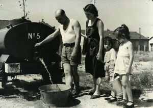 France-Fontenay-le-Fleury-Family-Heat-Wave-Water-Rationing-Old-Photo-1957