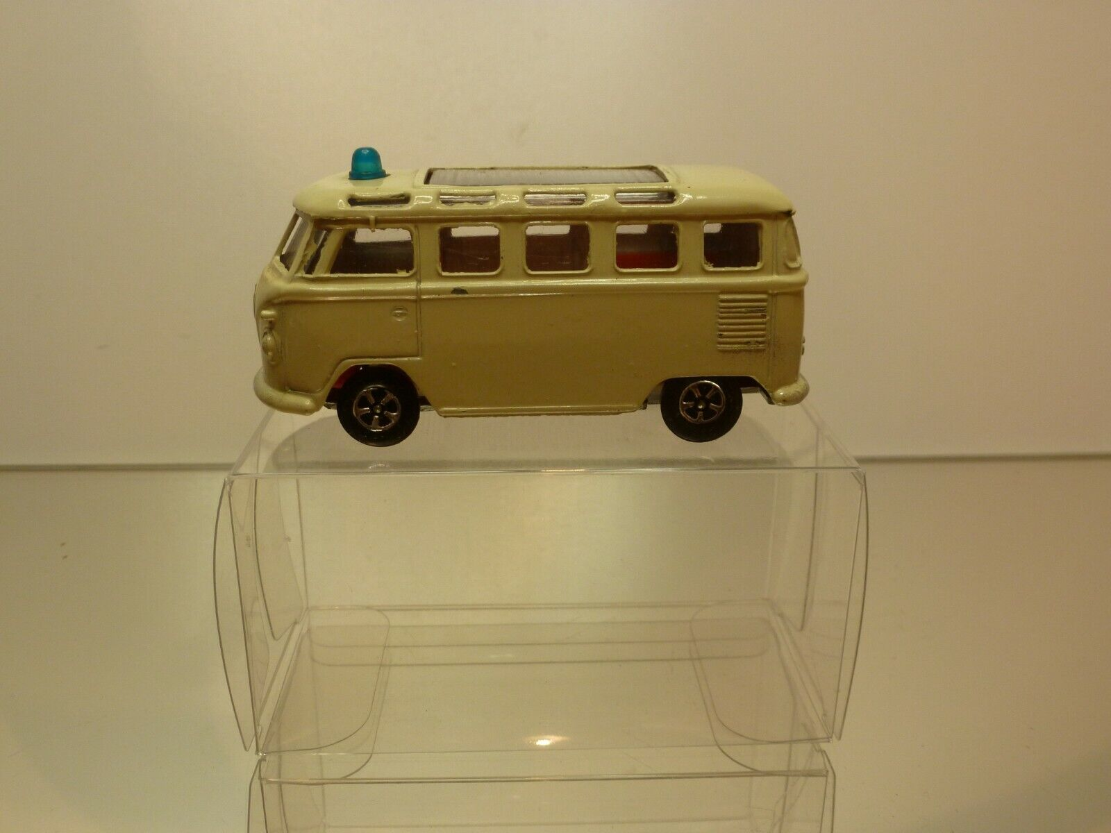 IMPY LONE STAR 20 VW VOLKSWAGEN T1 BUS  AMBULANCE - 23 WINDOWS - VERY GOOD IN BOX  design unique