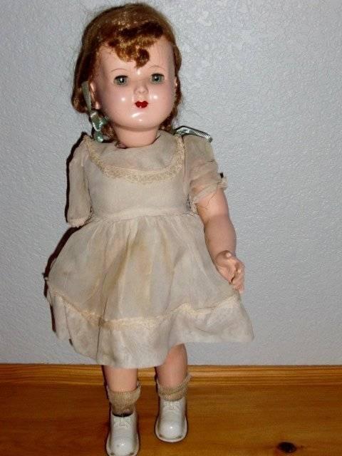 Advance  Vintage 18  1950's HP Wind-Up Wanda Walker Doll in Original Clothing