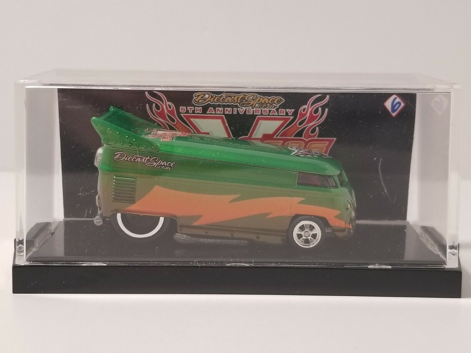 Hot Wheels DIECAST SPACE 5TH SUPER CONV  Custom Green & orange VW DRAG BUS  10