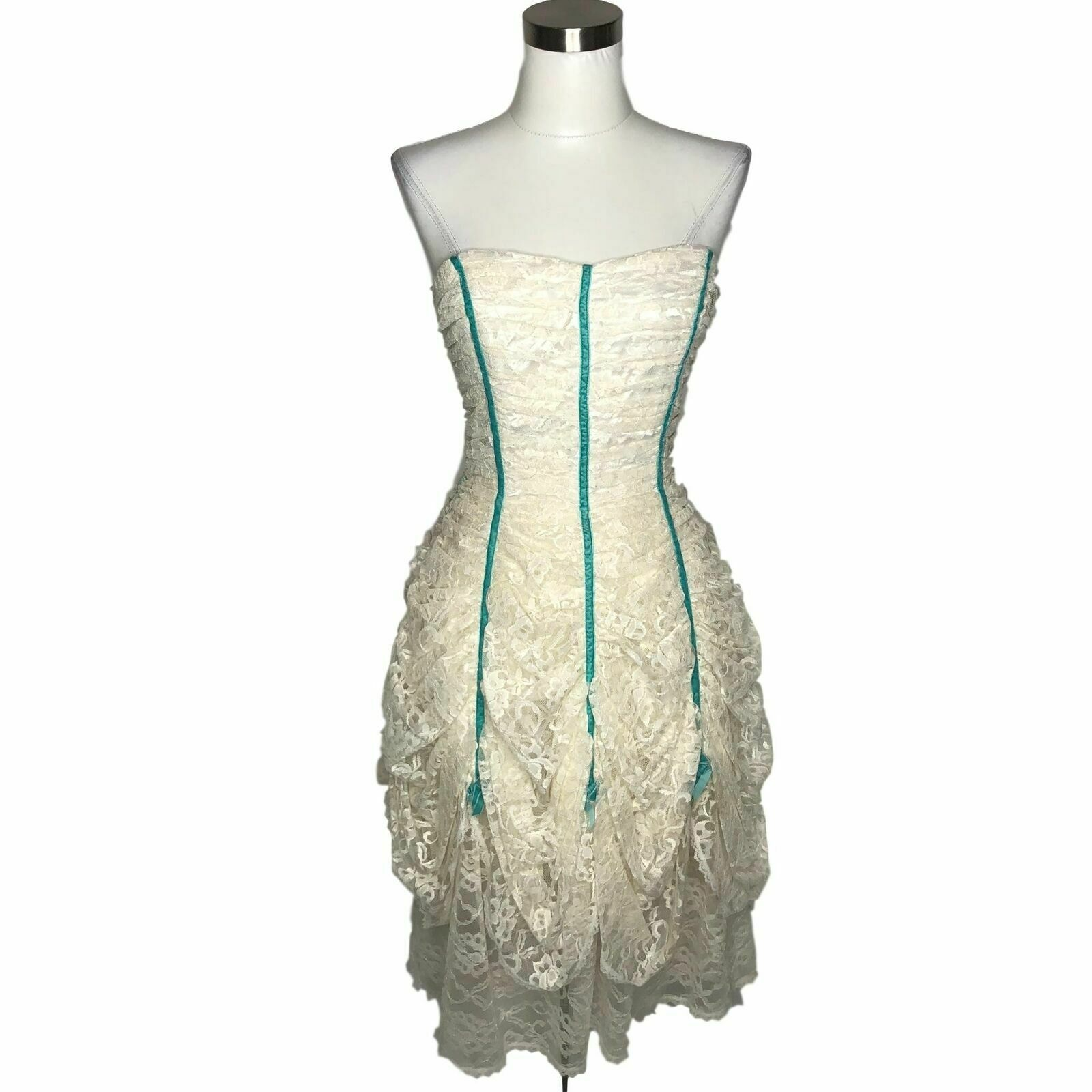 N551 BETSEY JOHNSON Vintage Dress Size 4 Small White bluee Floral Lace Strapless