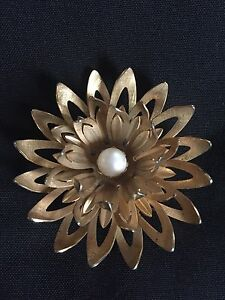 Vintage emmons spiky flower brooch in gold tone with white center image is loading vintage emmons spiky flower brooch in gold tone mightylinksfo