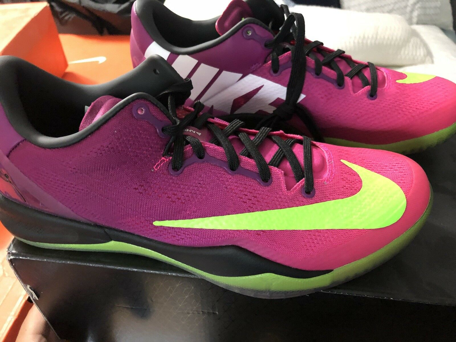 NIKE ZOOM KOBE VIII 8 SYSTEM MC MAMBACURIAL RED PLUM VOLT PINK 615315-500 9.5