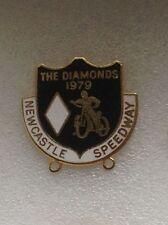 Newcastle Diamanti SPEEDWAY 1979 sostenitori Club Ufficiale pin badge molto buona